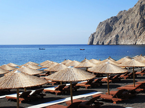 卡马利黑沙滩旅游景点图片