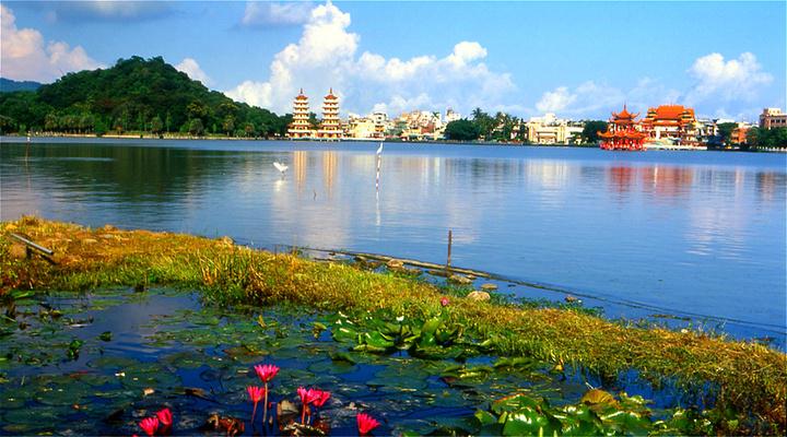 莲池潭旅游图片