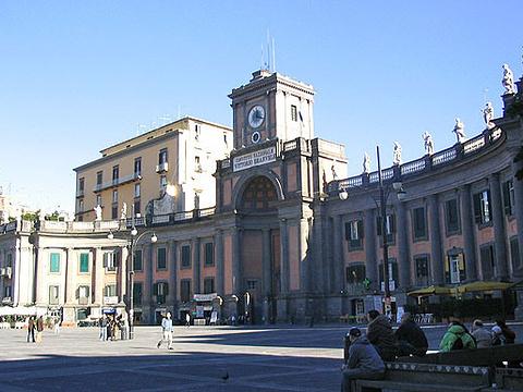 但丁广场旅游景点图片