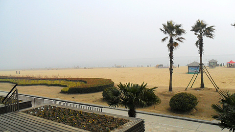 金山城市沙滩
