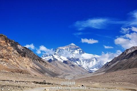 珠穆朗玛峰的图片