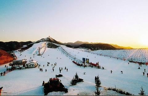 云佛山滑雪场的图片